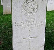 La visita al Cimitero inglese di Granezza-Asiago (V. Brittain)