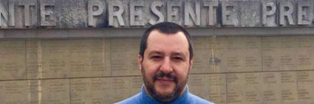 Difendere i confini e il nostro futuro, come strumentalizzare i morti: il politico Matteo Salvini a Redipuglia (I. Francese)